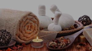Masaż relaksacyjny na ciepłych olejach